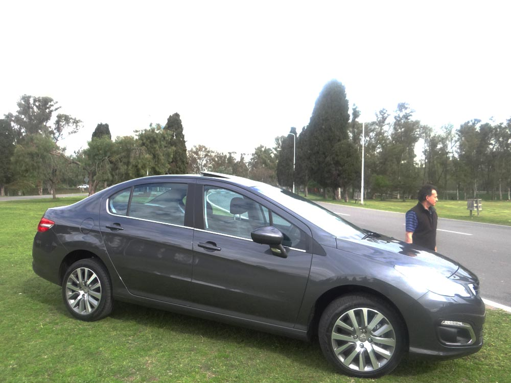 Test nuevo peugeot 408 for Interior 408 allure