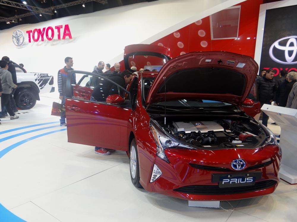 Autos Hibridos De Toyota En El Salon De Buenos Aires Informe Automotor